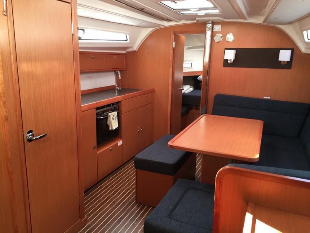 Yacht-Charter in  - Bavaria Cruiser 41 auf SamBoat