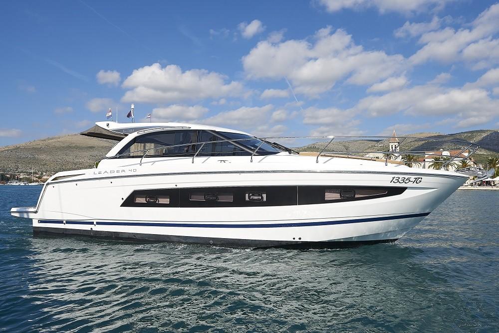 Motorboot mieten in Trau - Jeanneau Leader 40