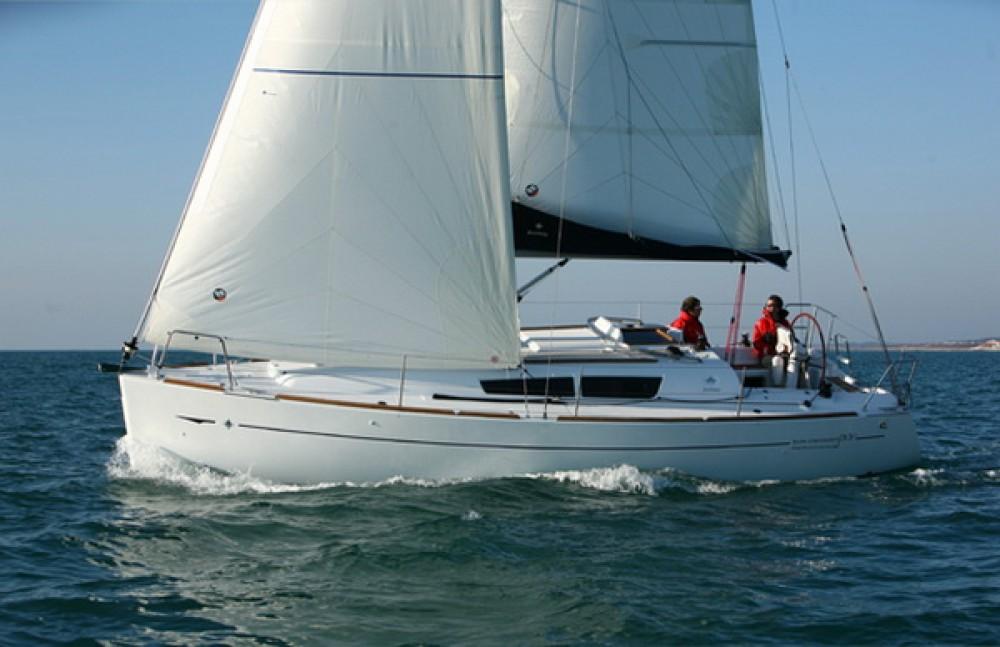 Jeanneau Sun Odyssey 33i zwischen Privatpersonen und professionellem Anbieter Corfù