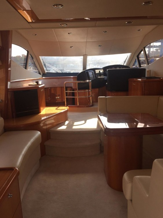 Vermietung Motorboot Sunseeker-International mit Führerschein