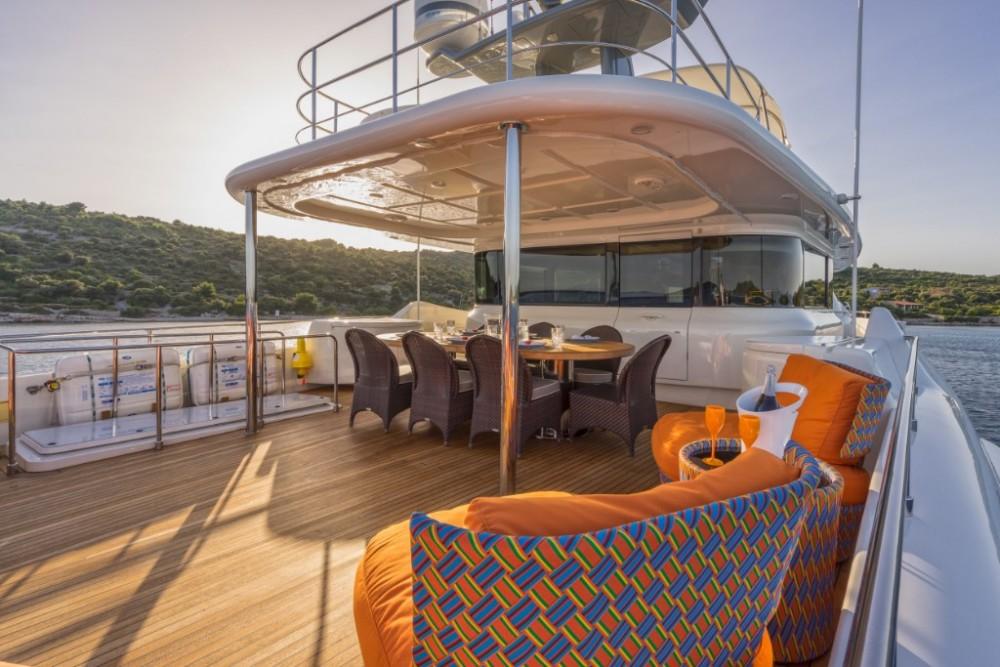 Yachten mit oder ohne Skipper Ferretti-Yachts-Group mieten in