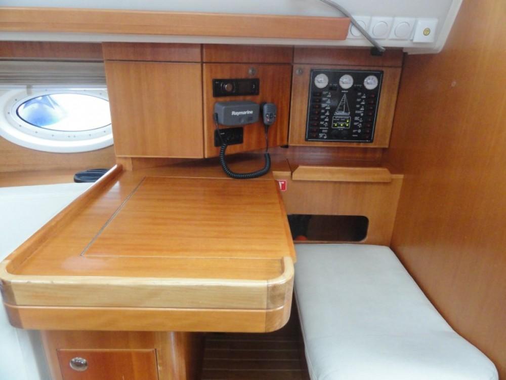 Yacht-Charter in Pula - Elan Elan 384 auf SamBoat