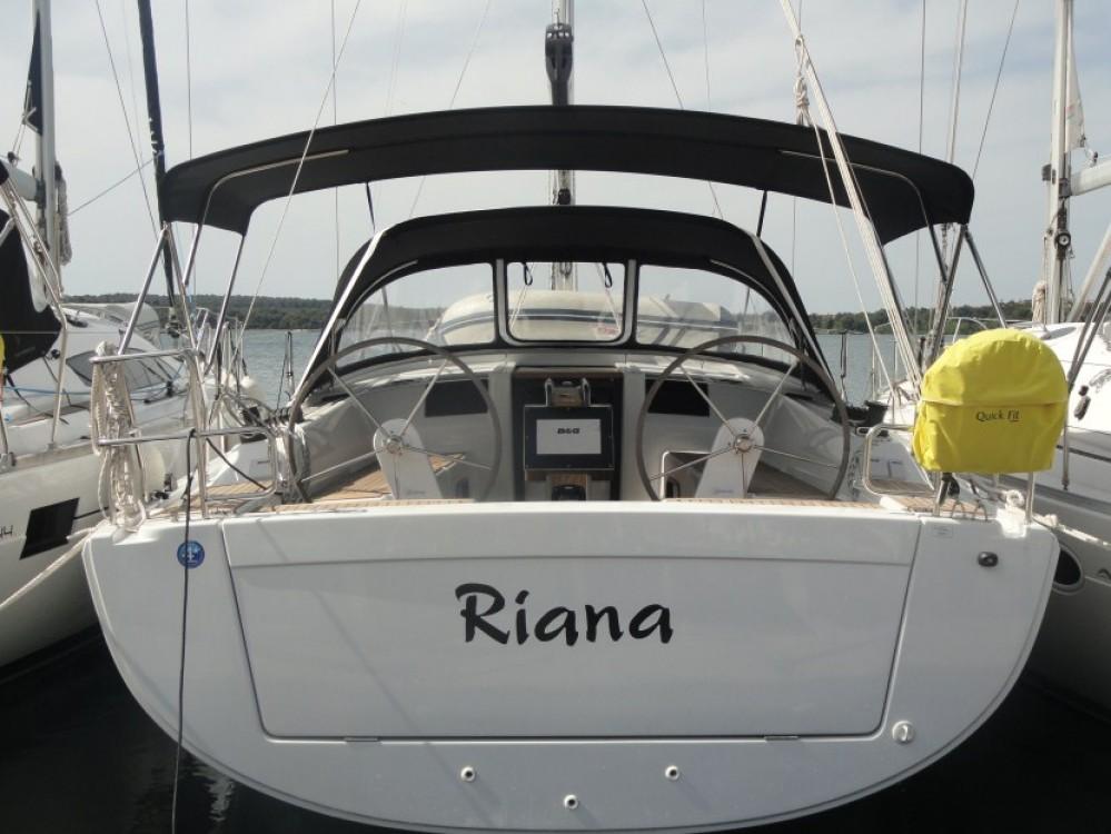 Bootsverleih Hanse Hanse 385 Pula Samboat