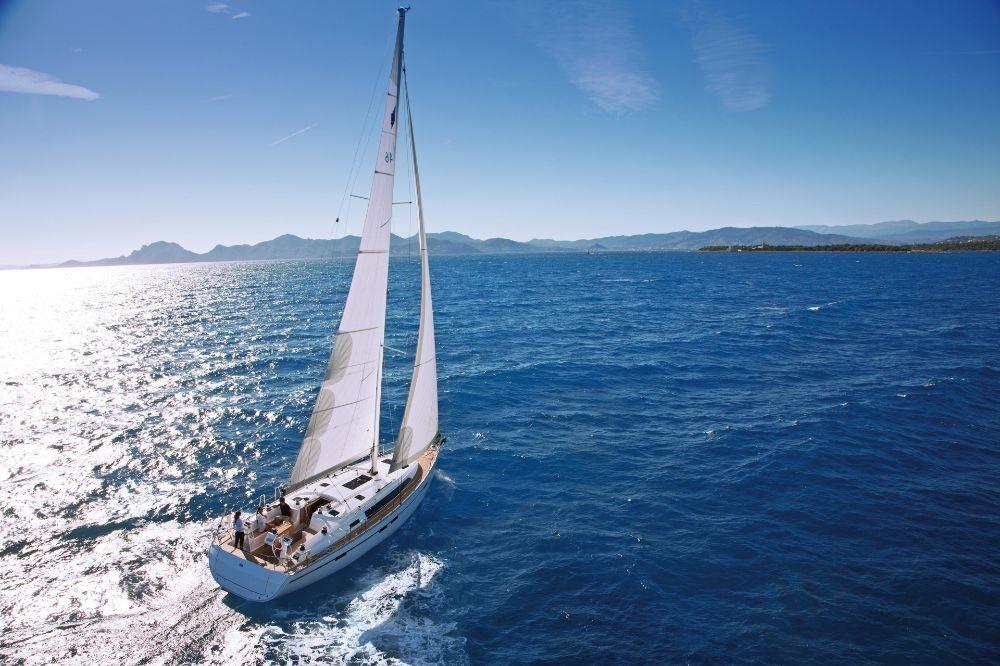 Bavaria Cruiser 46 zwischen Privatpersonen und professionellem Anbieter Lefkada
