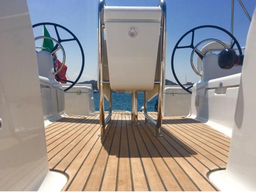 Ein Jeanneau Sun Odyssey 449 Performance mieten in Sardinien