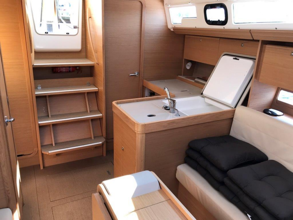 Yacht-Charter in  - Dufour Dufour 350 Grand Large auf SamBoat