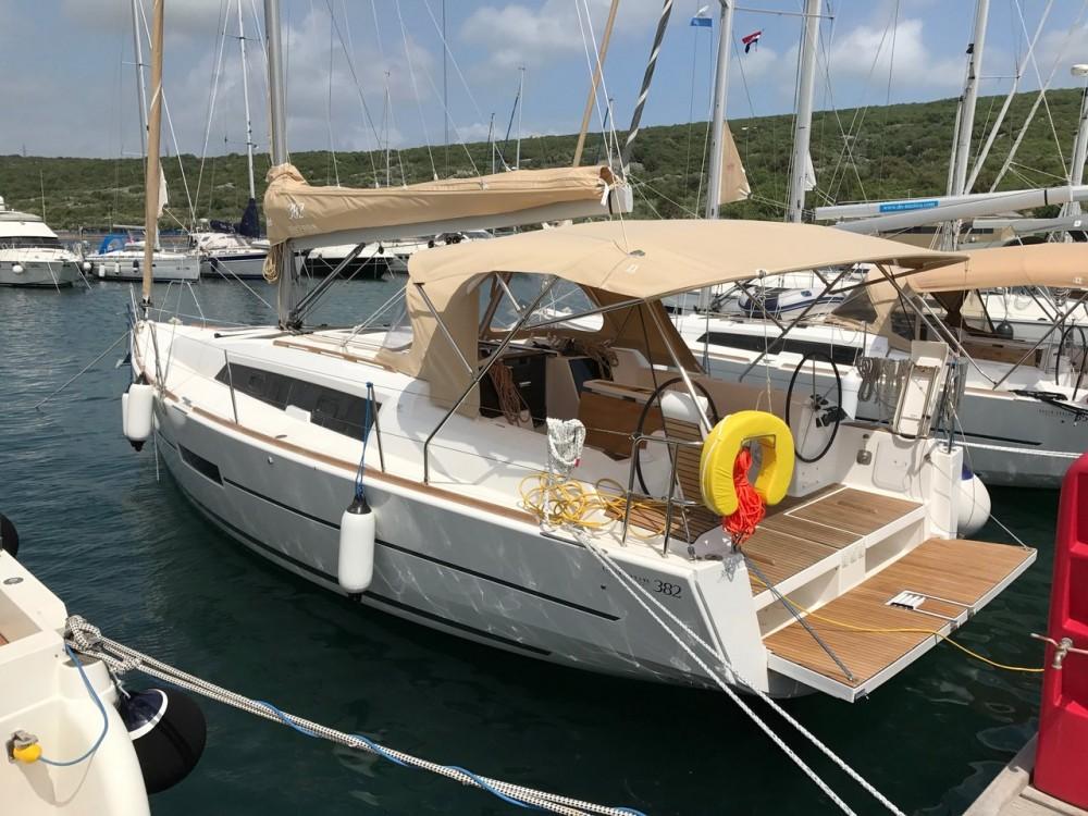 Segelboot mit oder ohne Skipper Dufour mieten in Kroatien