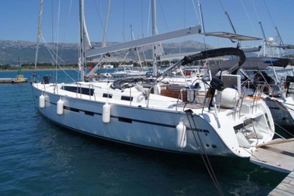 Ein Bavaria Cruiser 56 mieten in Split