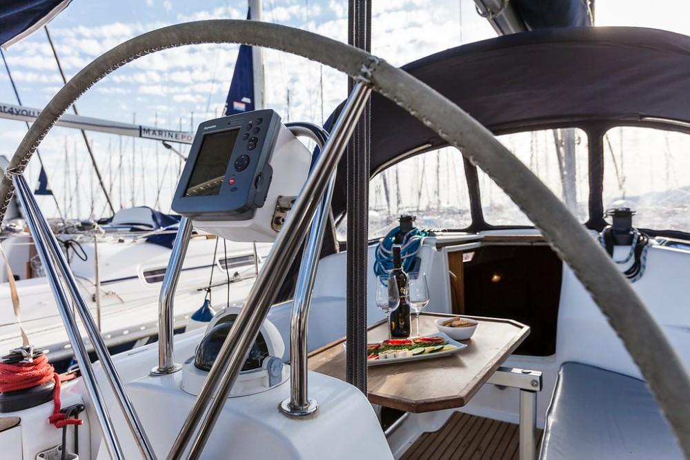 Segelboot mit oder ohne Skipper Dufour mieten in Marina Kaštela