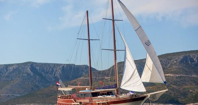 Vermietung Segelboot Custom Made mit Führerschein