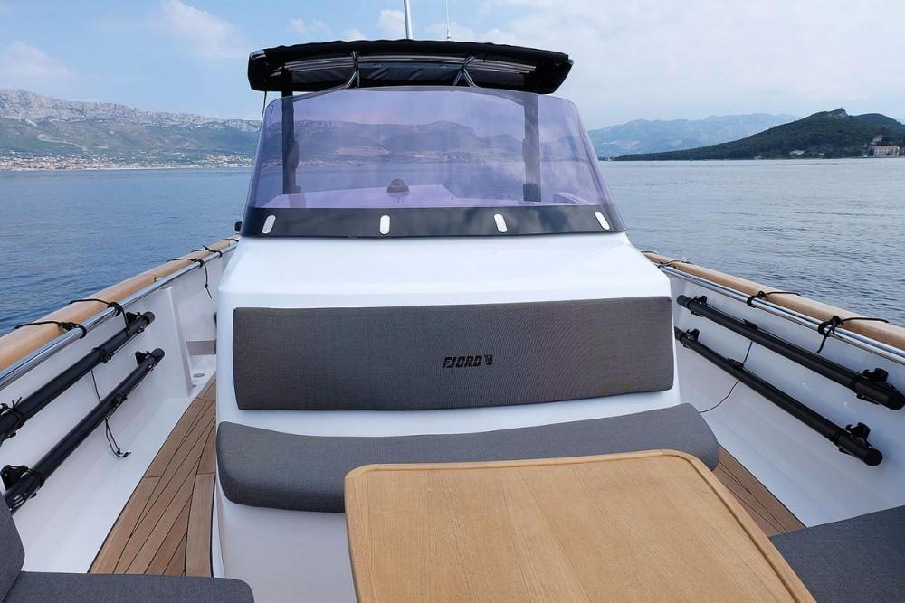 Ein Fjord-Boats Fjord 36 Open mieten in Marina Kaštela