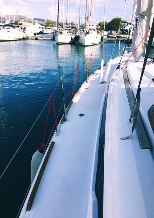 Ein Jeanneau Sun Odyssey 419 mieten in Lefkada