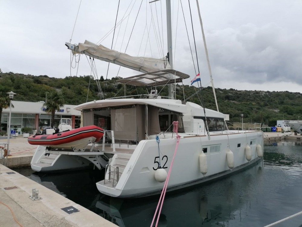 Bootsverleih Lagoon Lagoon 52 - 5 + 2 cab. Seget Donji Samboat