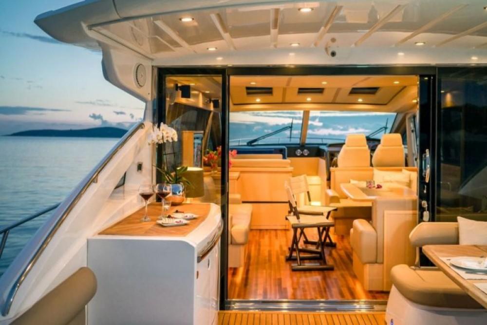 Yacht-Charter in Split - Princess-Yachts Princess V65 - 3 cab. auf SamBoat