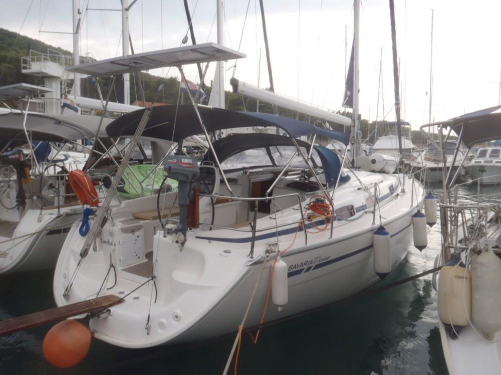 Ein Bavaria Cruiser 37 mieten in Split