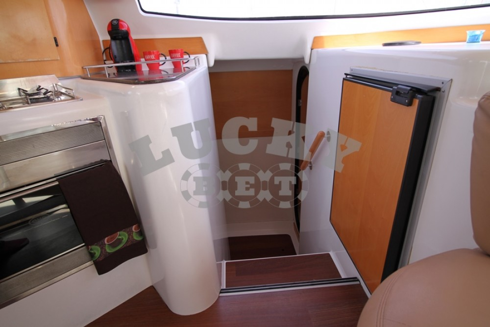 Yacht-Charter in Peloponnese - Fountaine Pajot Lavezzi 40 - 4 cab. auf SamBoat