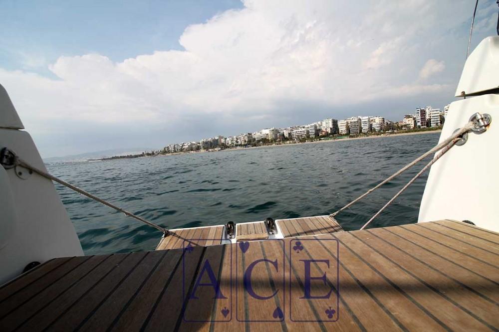 Jeanneau Sun Odyssey 439 zwischen Privatpersonen und professionellem Anbieter Peloponnese