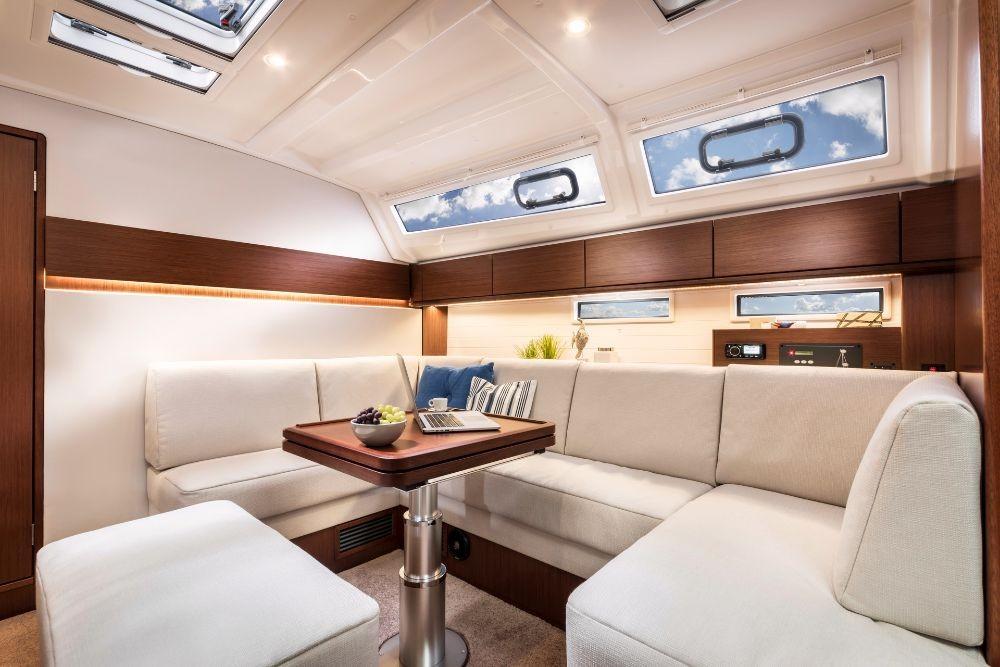 Bavaria Bavaria Cruiser 46 Style zwischen Privatpersonen und professionellem Anbieter Kroatien