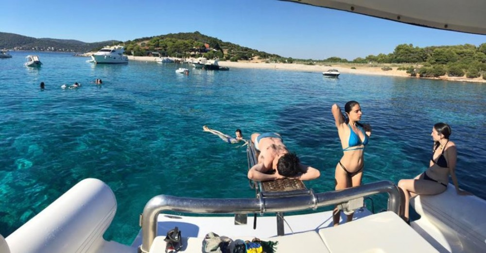 Motorboot mit oder ohne Skipper Lomac mieten in Split