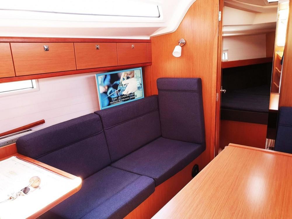 Bavaria Bavaria Cruiser 37 - 3 cab. zwischen Privatpersonen und professionellem Anbieter Split