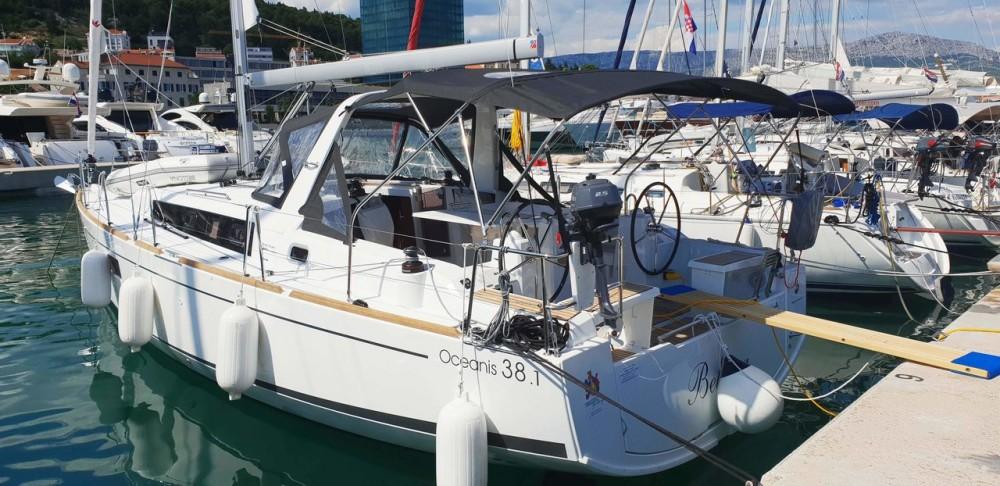 Bootsverleih Bénéteau Oceanis 38.1  Samboat