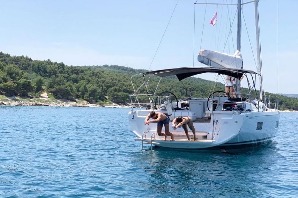 Ein Bénéteau Oceanis 46.1 mieten in Split