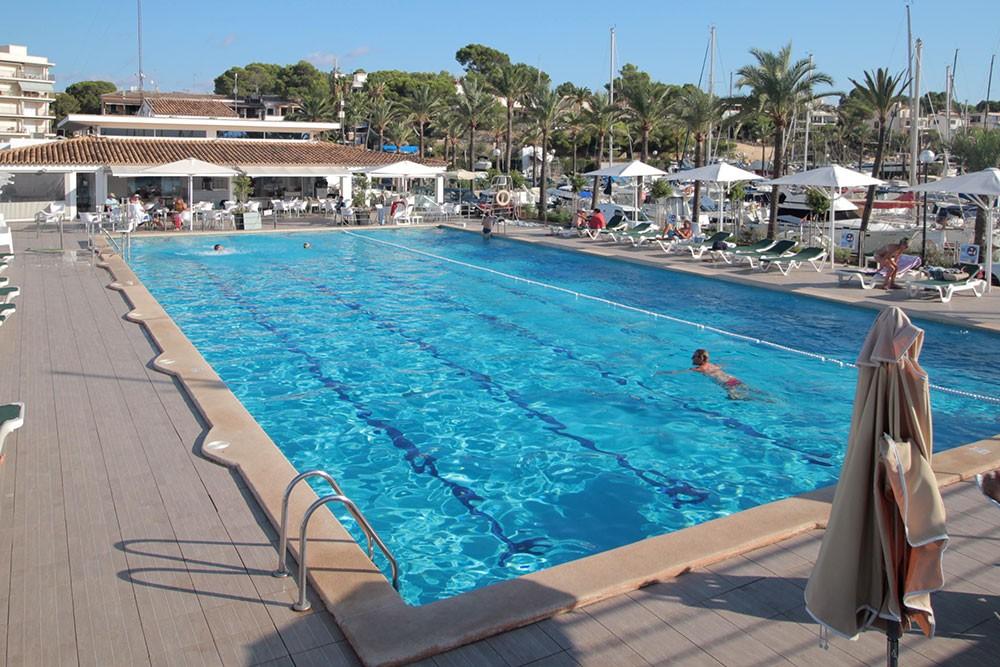 Bavaria Cruiser 50 zwischen Privatpersonen und professionellem Anbieter Playa de Palma