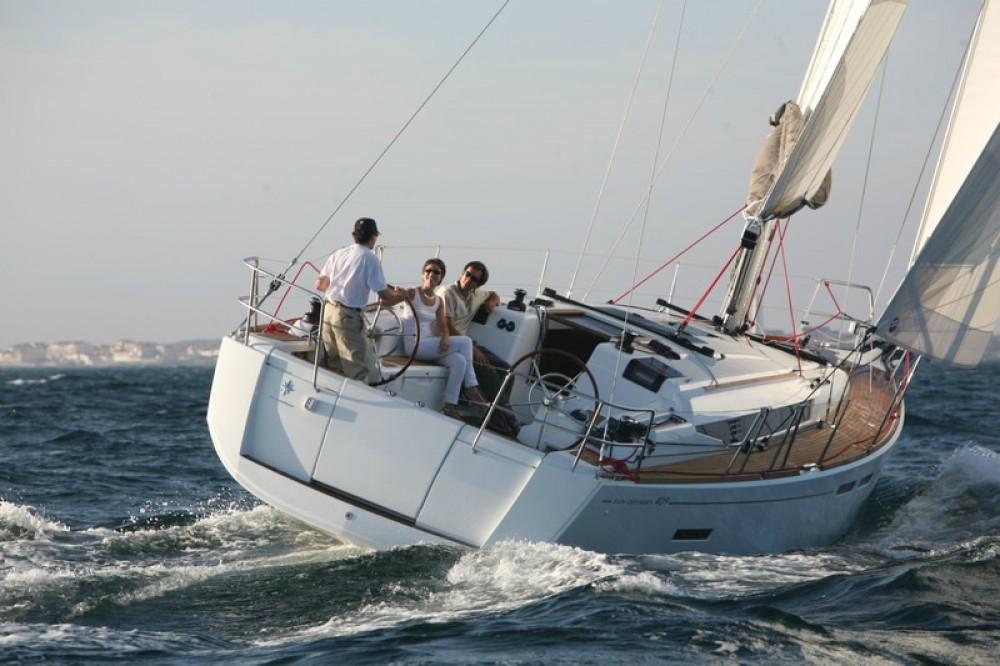 Ein Jeanneau Sun Odyssey 409 mieten in Peloponnese