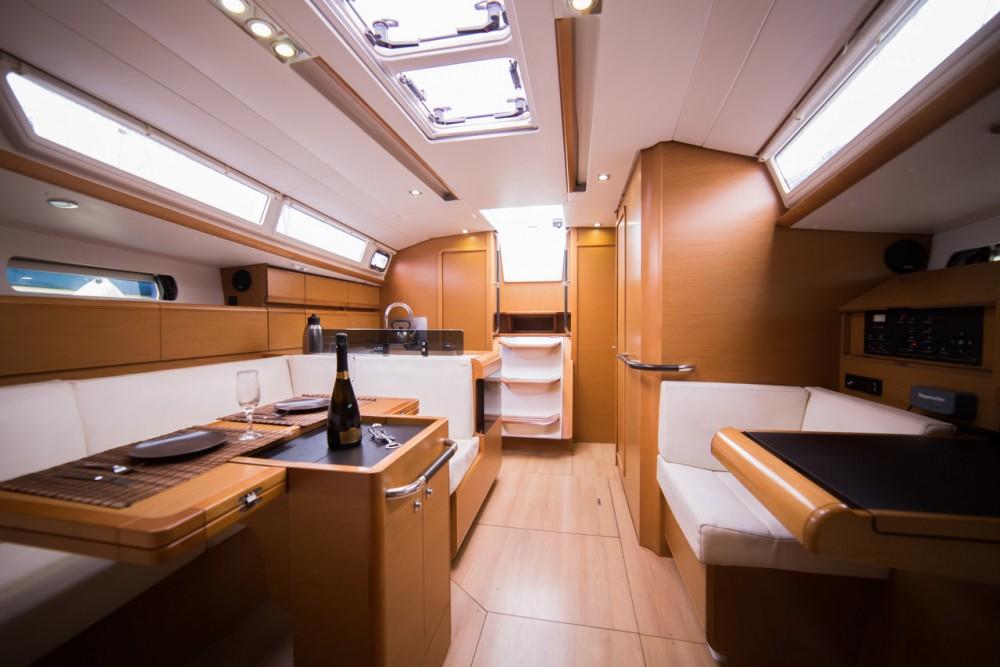 Bootsverleih Jeanneau Sun Odyssey 409 Peloponnese Samboat
