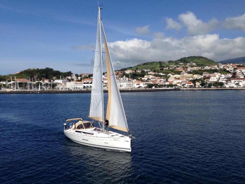 Dufour Dufour 450 Grand Large zwischen Privatpersonen und professionellem Anbieter Port de plaisance d'Horta