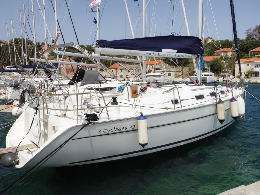 Segelboot mit oder ohne Skipper Bénéteau mieten in Rogač