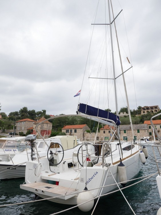 Segelboot mit oder ohne Skipper Jeanneau mieten in Rogač