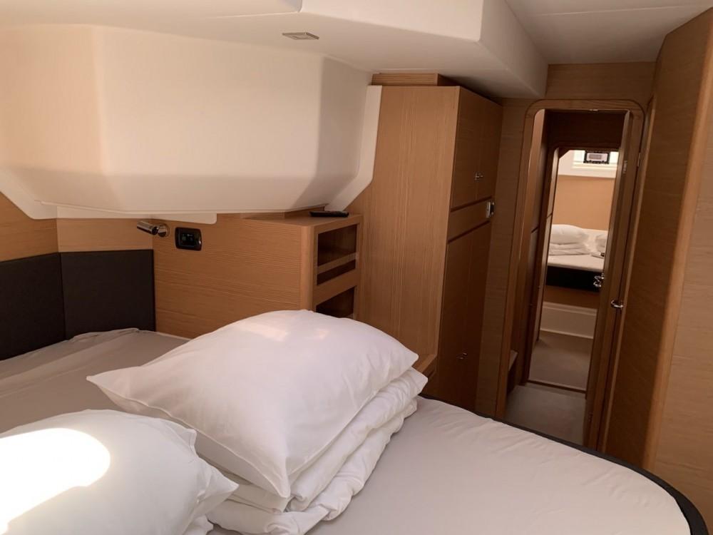 Ein Dufour Dufour 48 Catamaran - 5 + 1 cab. mieten in Kroatien