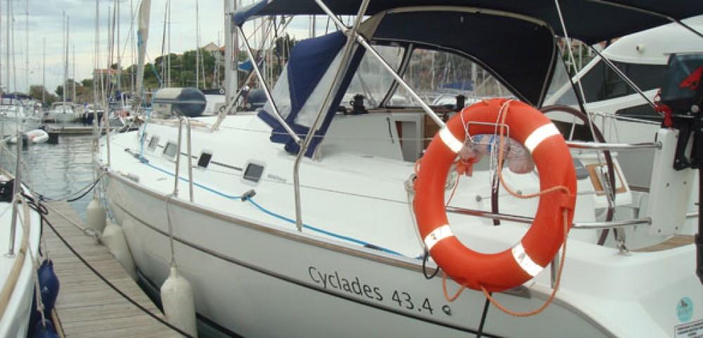 Bénéteau Cyclades 434 zwischen Privatpersonen und professionellem Anbieter La Rochelle