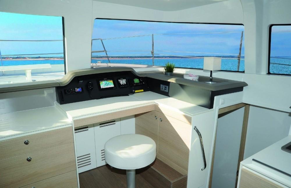 Bootsverleih Catana Bali 4.3 Neapel Samboat