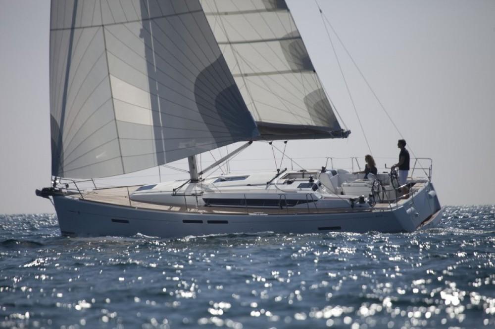 Ein Jeanneau Sun Odyssey 409 mieten in Palma