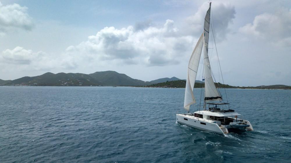 Ein Lagoon Lagoon 560 S2 - 5 cab. mieten in Tortola