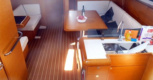 Ein Jeanneau Sun Odyssey 439 mieten in Lidingö