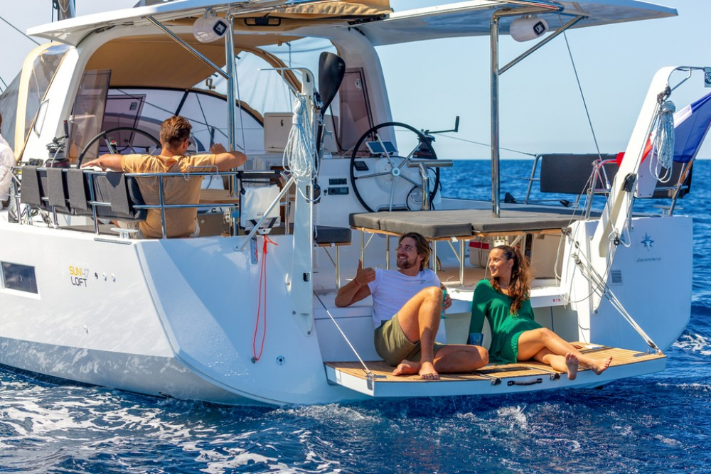 Bootsverleih Jeanneau Sun Loft 47 - 6+1 cab. Tortola Samboat