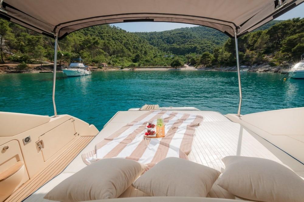 Vermietung Motorboot Dalla Pietà Yacht mit Führerschein