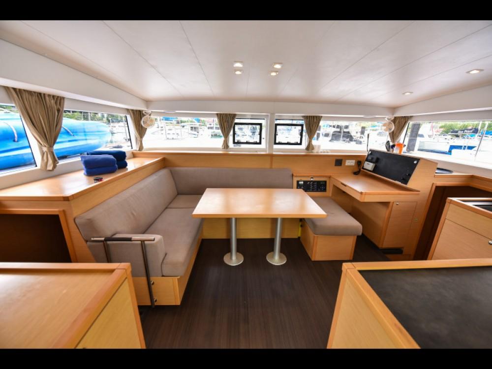 Bootsverleih Lagoon Lagoon 400 Victoria Samboat