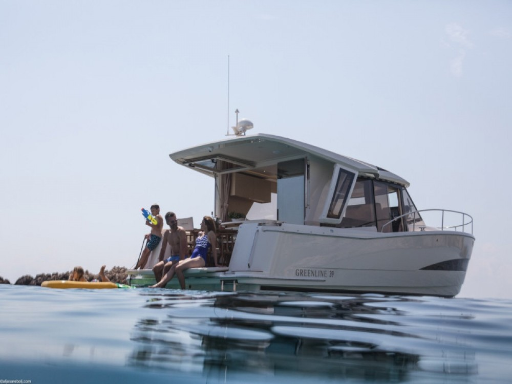 Vermietung Motorboot Greenline mit Führerschein