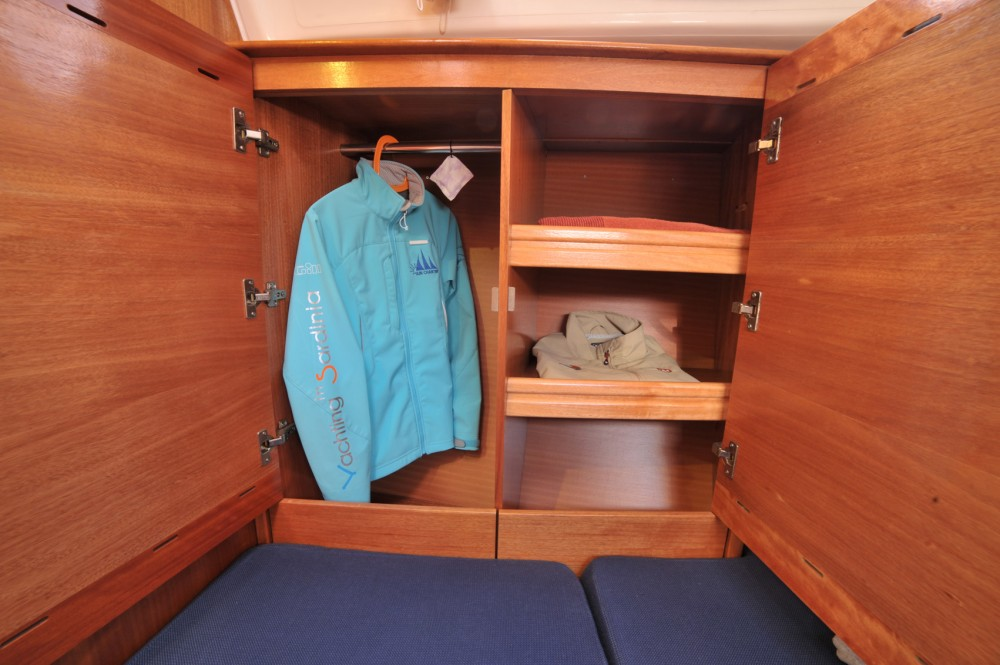Ein Bavaria Bavaria 50 Cruiser mieten in Olbia