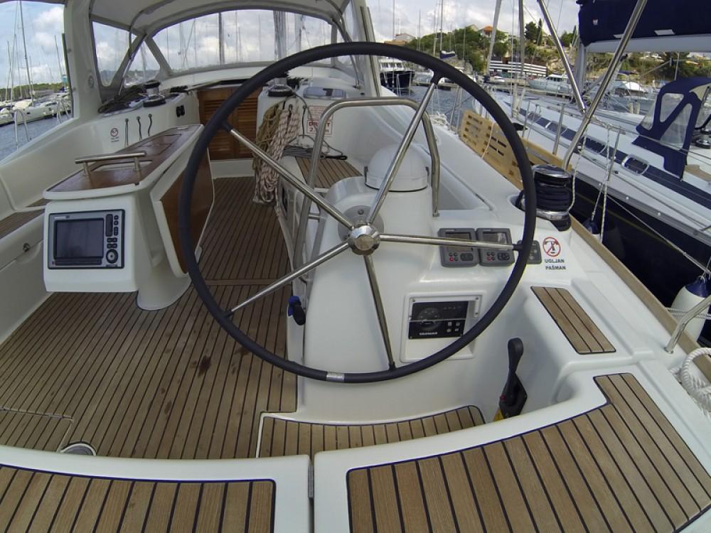 Segelboot mit oder ohne Skipper Bénéteau mieten in Šibenik