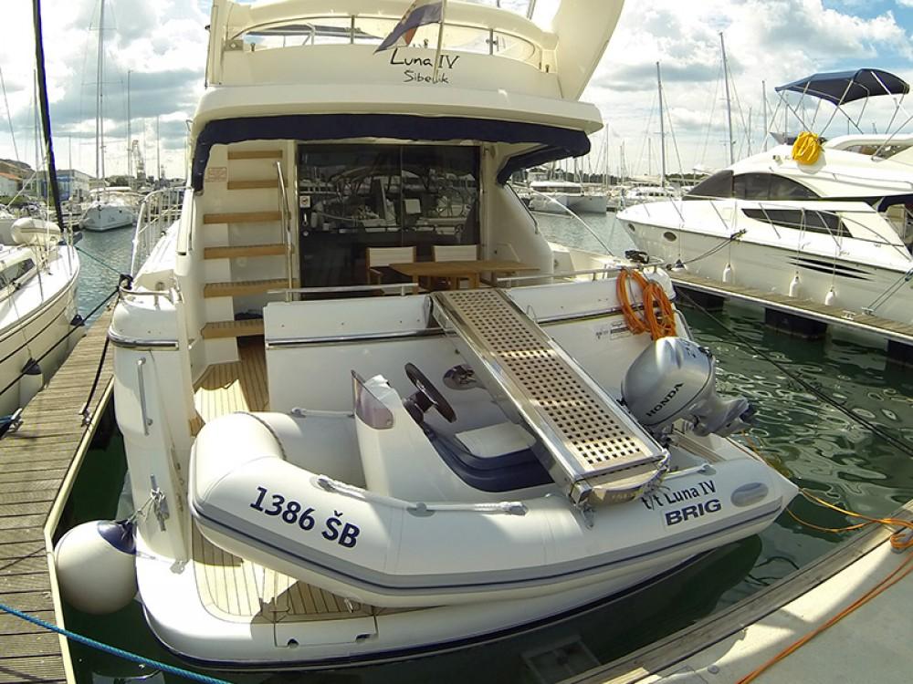 Motorboot mit oder ohne Skipper Fairline mieten in Šibenik