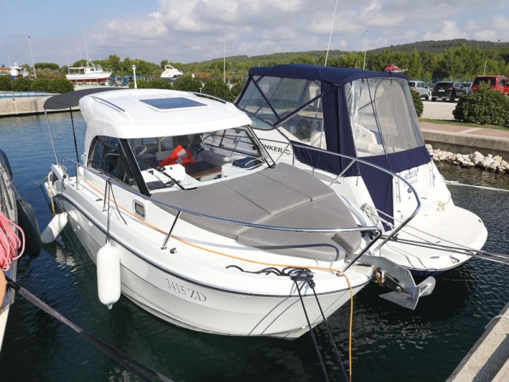 Motorboot mieten in Sukošan zum besten Preis