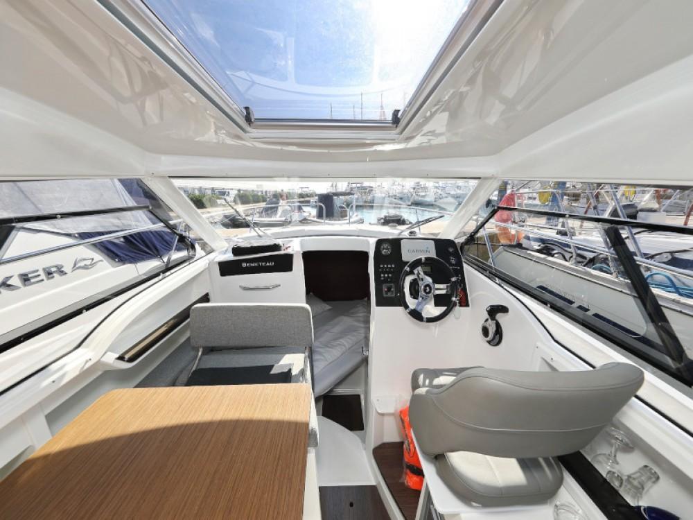 Motorboot mit oder ohne Skipper Bénéteau mieten in Sukošan