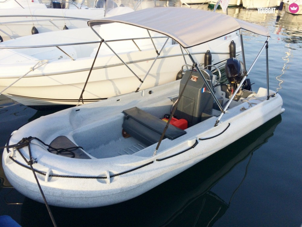 Yacht-Charter in Belvédère-Campomoro - Funyak 390 console auf SamBoat