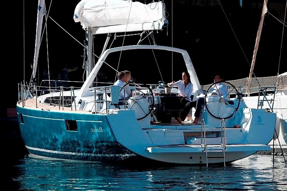 Ein Bénéteau Oceanis 48 mieten in Peloponnes, Westgriechenland und Ionische Inseln