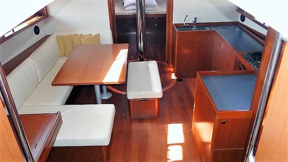 Segelboot mit oder ohne Skipper Bénéteau mieten in Peloponnes, Westgriechenland und Ionische Inseln